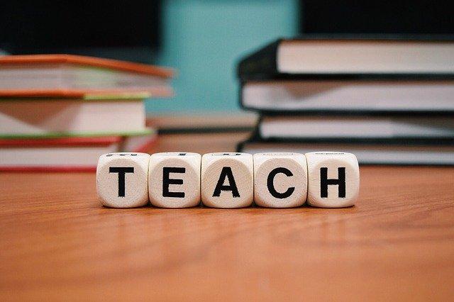teach-1968076_640