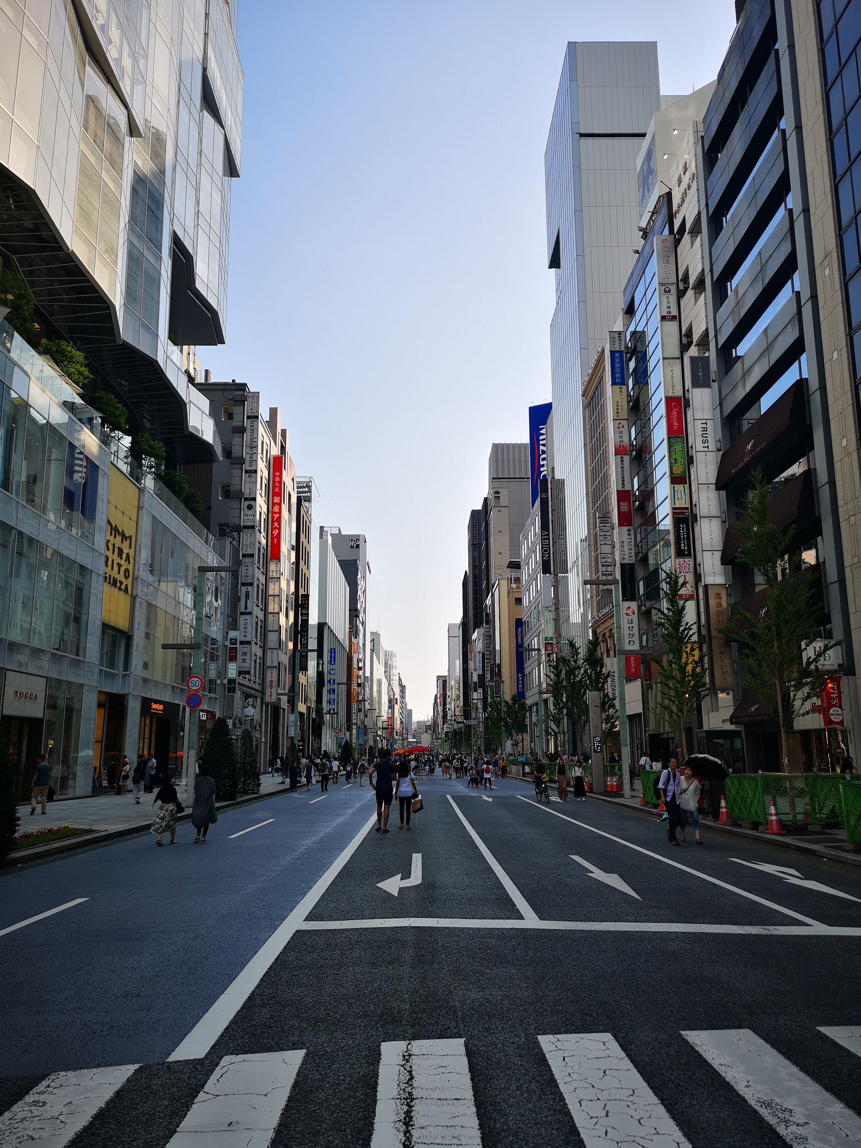 買い物体験 〜パリから日本へ来たインターン生が感じた、日本と海外の接客の違い〜